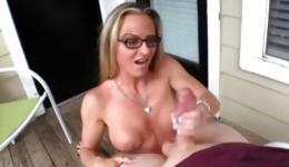 Watch amazing sex where brutal man gets perfect handjob from the milf